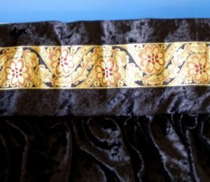 Table skirt ribbon